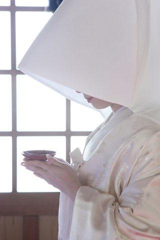 大人白無垢和婚綿帽子